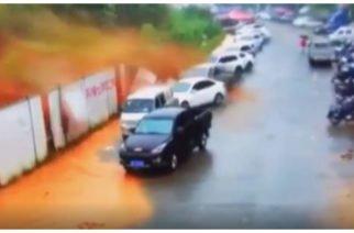 Video: Lluvias generaron aluvión de lodo en China este viernes