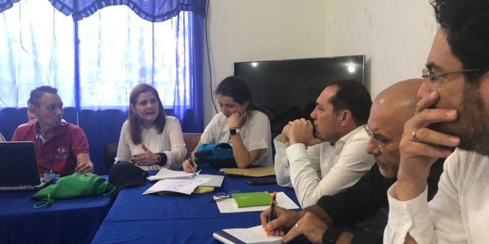 Con manifestación a favor del alcalde y en contra de los senadores culminó reunión de la Comisión de Paz en Tierralta