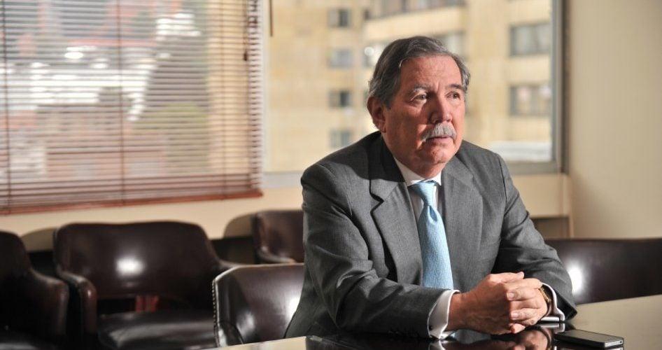 Este lunes retoman moción de censura contra Mindefensa Guillermo Botero