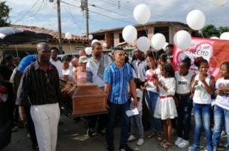 Entre dolor, llanto e impotencia, parientes y amigos exigieron justicia en el sepelio de María del Pilar Hurtado