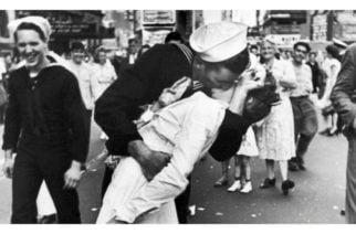 Hoy se celebra el Día Mundial del Beso Robado