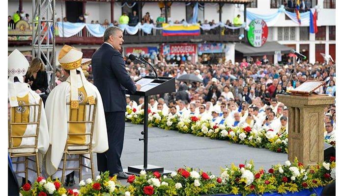 Duque pidió a la virgen de Chiquinquirá sea una guía para que Colombia supere odios, divisiones y perjuicios