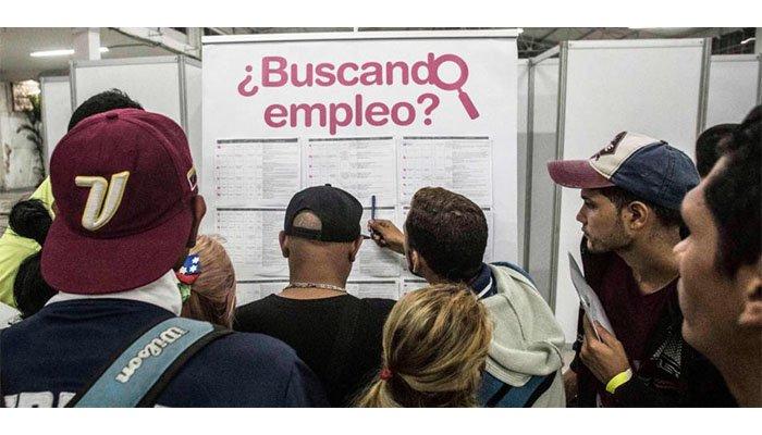 "Gobierno ""cocina"" decreto para evitar explotación laboral de venezolanos"