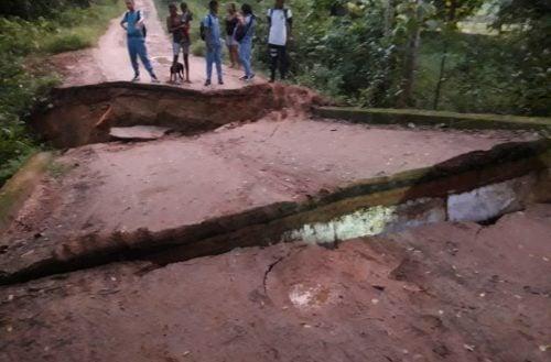 Habitantes de La Manta incomunicados por colapso de puente