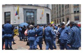 Inpec y sindicatos firman acuerdo de mejoras en las condiciones laborales
