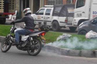 Ley que regula emisión de gases en motos y vehículos ACPM ya entró en vigencia