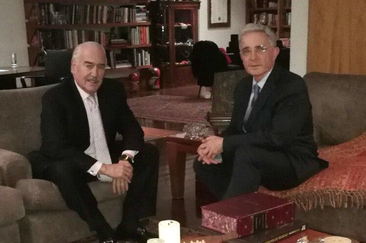 Uribe y Pastrana declararán contra Santos en Comisión de Acusación