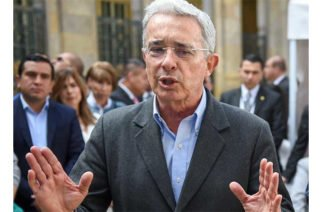 Álvaro Uribe denuncia que la Corte Suprema ha afectado su reputación