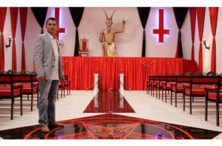 ¿Sabía que en Colombia hay un templo para adorar a Lucifer? Tiene una estatua del diablo y cruces invertidas