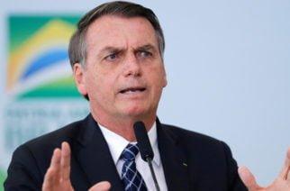 Bolsonaro evalúa enviar al Ejército para combatir las llamas del Amazonas
