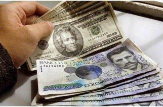 El dólar cerró la jornada este lunes en Colombia con un máximo histórico