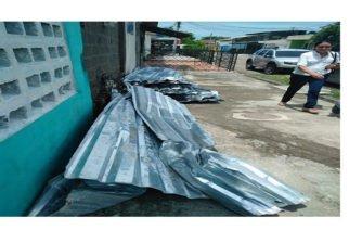 Fuertes vientos tumbaron el techo del Colegio Cristiano Vencedores por la Fe: Piden ayuda gubernamental