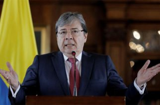 Gobierno colombiano no ve como opción cerrar frontera con Venezuela