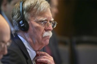 John Bolton asegura que no habrá diálogo y que el bloqueo está diseñado para acorralar a Maduro
