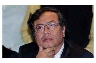 """Petro lamenta el regreso a las armas y afirma que Márquez """"es el mejor aliado de Uribe"""""""