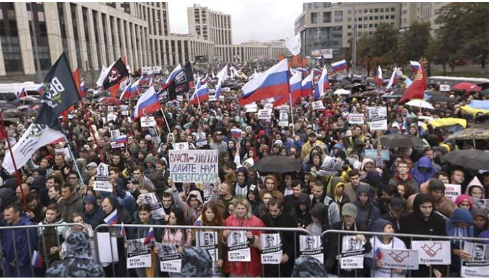 """Tensión en Rusia: Unas 50 mil personas salieron a las calles para exigir """"elecciones libres"""""""