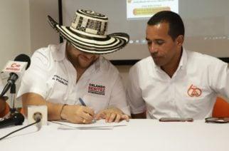 Orlando Benítez firmó histórico acuerdo por la educación junto a la Asociación de Maestros de Córdoba