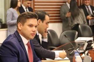 Representante a la Cámara, Andrés Calle, radicó proyecto de ley en pro de los derechos de los usuarios del servicio de transporte aéreo