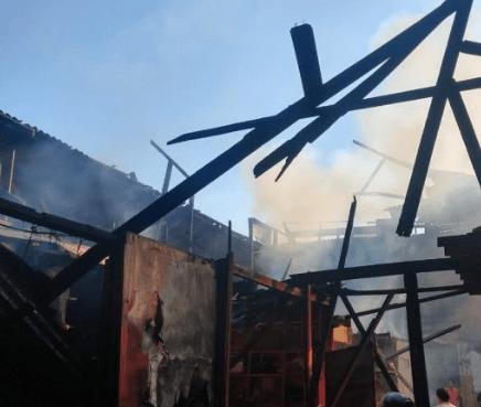 """""""Estamos bastante adelantados en la atención"""": Arturo Mercado sobre incendio en el mercado antiguo"""