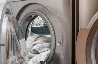 Impactante: Niño de tres años muere asfixiado dentro de una lavadora en Florida