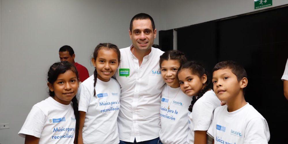"""""""Seré el alcalde los niños de Montería"""": Salin Ghisays, durante la firma del Pacto por la Niñez"""