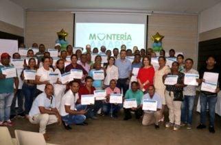 Vendedores estacionarios de Montería fueron certificados por el SENA