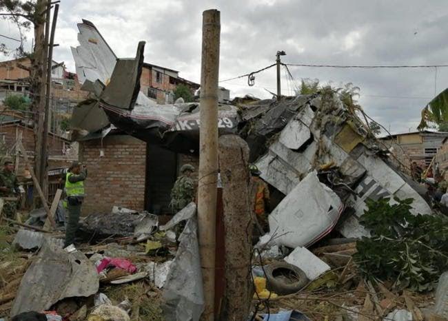 Seis muertos en el Cauca por caída de avioneta sobre  viviendas