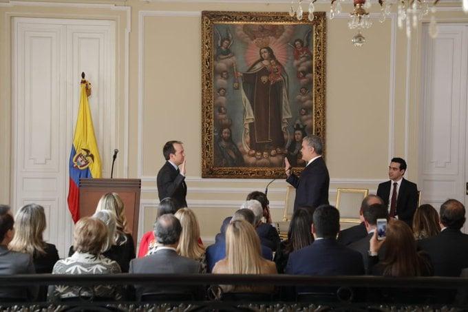 Ernesto Lucena se posesionó como ministro del Deporte
