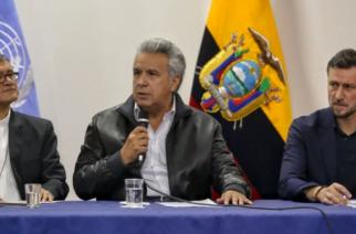 Presidente de Ecuador firmó el decreto que deroga el aumento de los combustibles