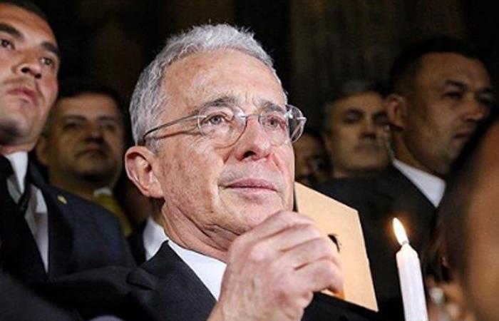 """Uribe en indagatoria: """"No conocía entrega de dinero de Diego Cadena a paramilitar"""""""