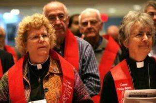 Activista solicita al Vaticano que las mujeres puedan ser ordenadas sacerdotes