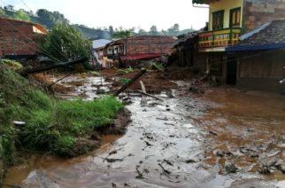 Más de mil evacuados y alerta roja en Antioquia por avalancha