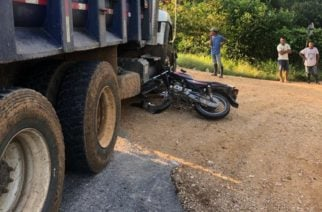 Colisión entre un camión y una moto en la vía a Planeta Rica