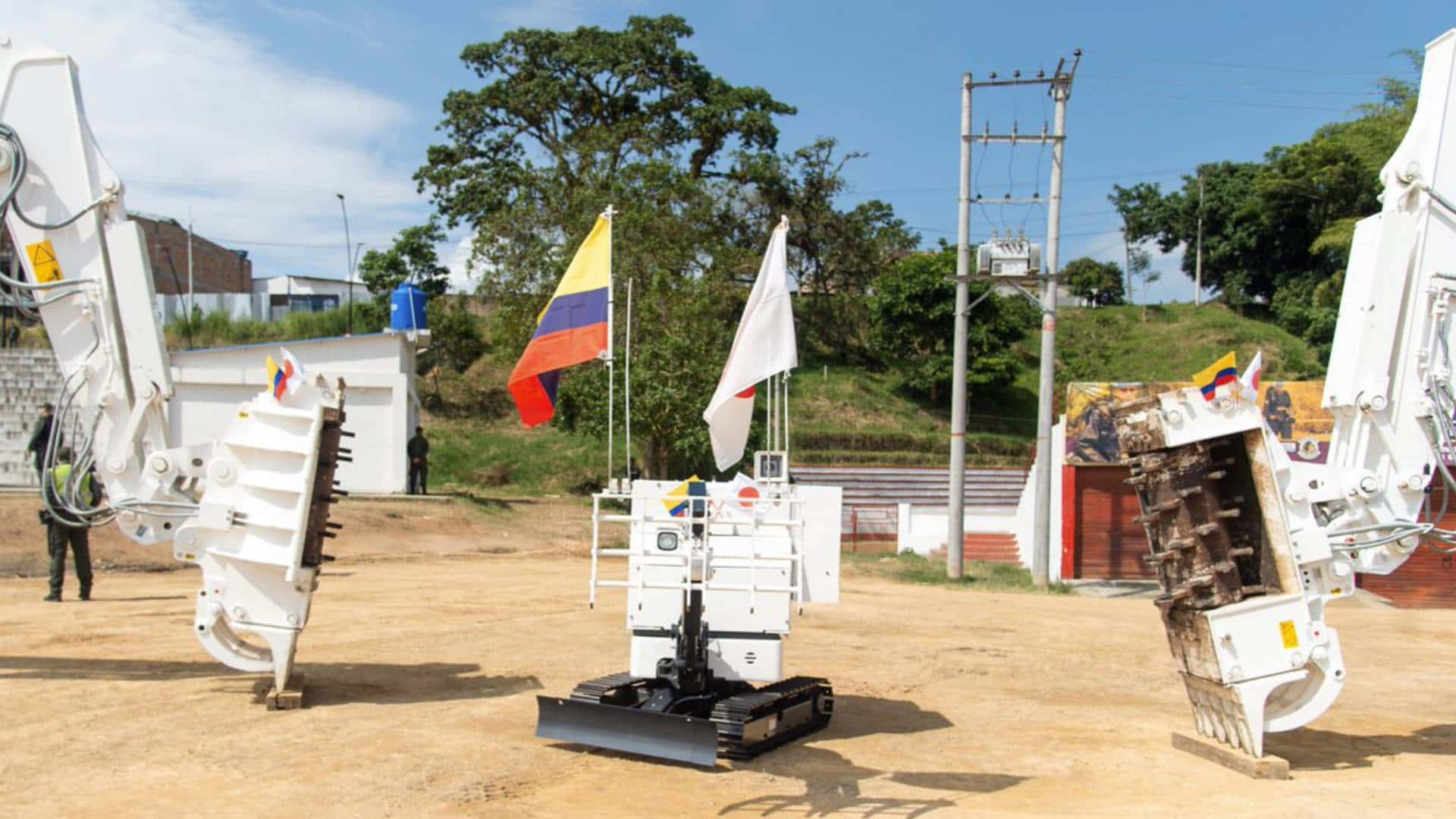 Maquinaria para desminado humanitario en Colombia.