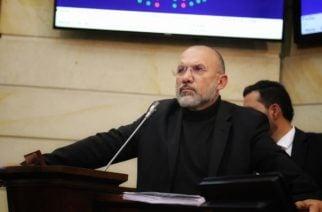 Debate por moción de censura contra ministro de Defensa reveló masacre de siete menores