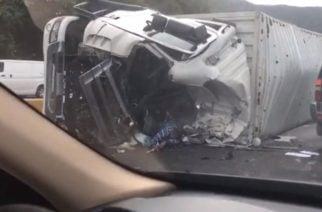 En la vía Cereté – Ciénaga de Oro saquearon un camión que se volcó
