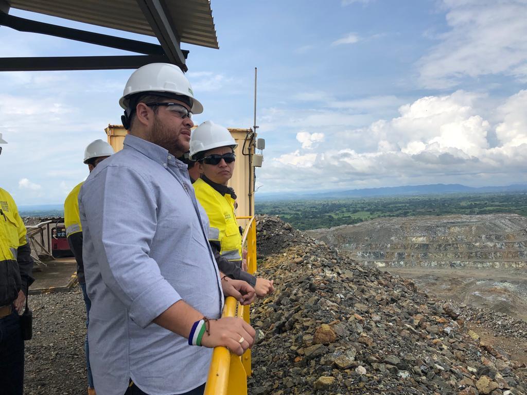 Orlando Benítez, gobernador electo, visitó le empresa Cerro Matoso.