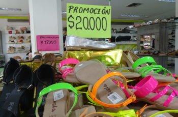 ¡No se embolate! En el centro de Montería puede comprar la 'pinta' navideña hasta con $50 mil