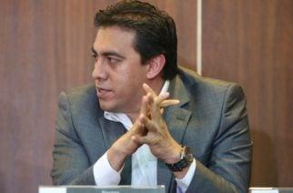 Alexander Vega inició desempeño de funciones como nuevo registrador