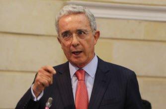 Uribe reveló que su proyecto propone pasar de 48 a 45 horas laborales a la semana