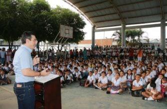 En Montería iniciaron las clases: Alcalde Ordosgoitia compartió con los estudiantes