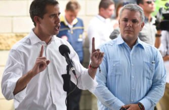 """""""Sabemos de su valentía y su batalla contra la dictadura"""": Duque a Guaidó"""