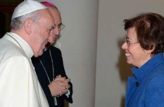 Papa designó a una mujer como subsecretaría de la Secretaría de Estado