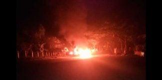 Carro en llamas en Cauca